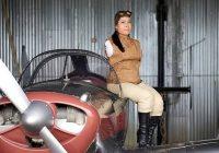 عجیب ترین زن خلبان معلول جهان