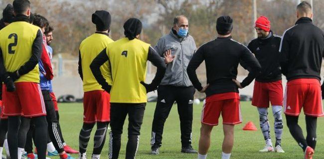 قرارداد مربی تراکتور امروز ثبت میشود/ خانزاده دربی تبریز هم از دست داد