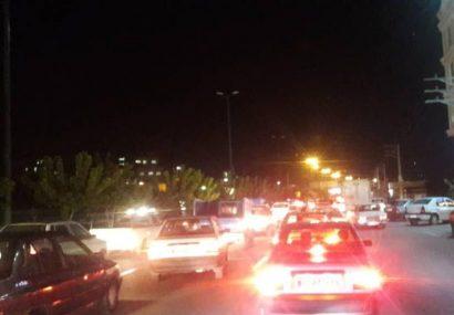 خیابانهای شلوغ بیرجند و فریب مردم از وضعیت نارنجی/ زحمات کادر درمان را نادیده نگیریم