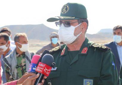 سردار تنگسیری: با همه ظرفیتهای آمادی، پشتیبانی و مهندسی به کمک مردم خوزستان شتافتیم / تا رفع کامل مشکلات کنار مردم هستیم